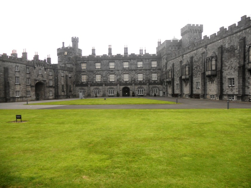 Kilkenny Castle and Court Yard