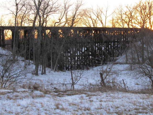 Railroad_bridge_west_of_town_IMG_1994 (1)